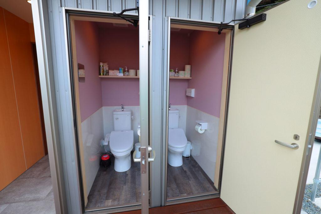 男女別トイレ各2